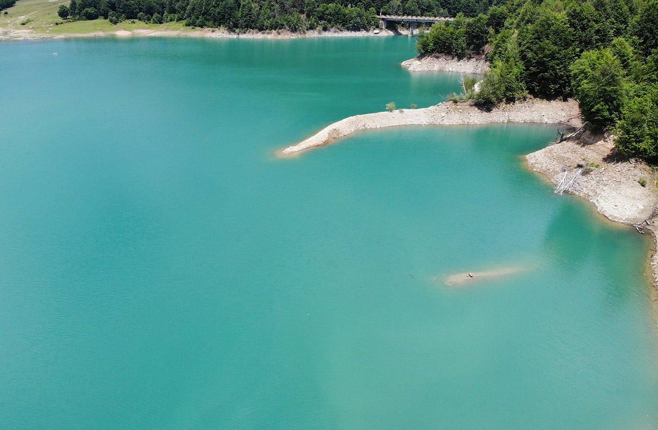 Smarald pe lacul Paltinu