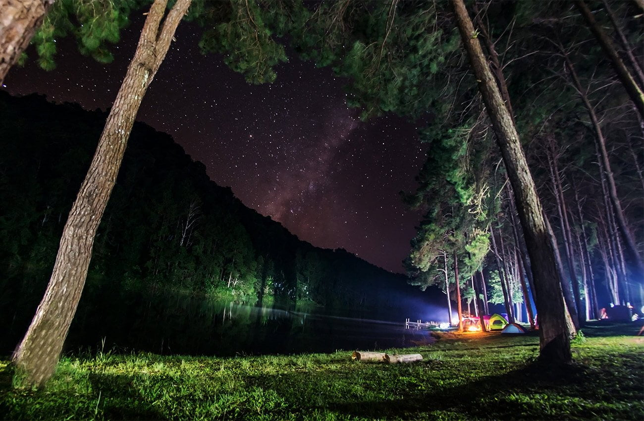 Lacul Siriu noaptea
